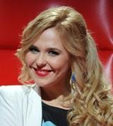 В Сети появилось видео Пелагеи и Ивана Телегина на прогулке с дочкой