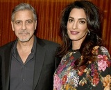 """Папарацци """"срубили"""" сенсацию: Амаль Клуни действительно ждет ребенка (ФОТО)"""