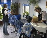 Губернатор Подмосковья разрешил работать салонам красоты и саунам