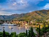 Черногория высылает посла Сербии, там хотели ответить тем же, но передумали