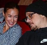 Актер Алексей Макаров завел роман с экс-супругой Вдовиченкова