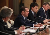 Медведев вспомнил Чехова и грустно пошутил о Новом годе