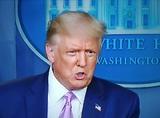 Трамп впервые выступил перед журналистами и про беспорядки даже не вспомнил