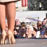 Украинский политик Тимошенко вышла к пенсионерам в туфлях Gucci из змеиной кожи