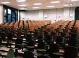 Власти США передумали выдворять из страны иностранных студентов на онлайн-обучении