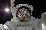 В прямом эфире: 55 экспедиция МКС вышла в открытый космос