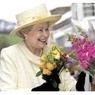 Королева Великобритании собирается отказаться от престола