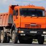КамАЗ разорвало на части при столкновении с пассажирским поездом на Кубани - видео