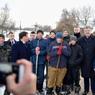 В Сети раскритиковали фото Порошенко с деревенскими детьми