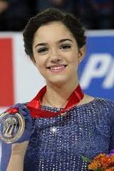 Медведева, побив мировой рекорд, выиграла чемпионат по фигурному катанию