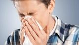 Врач пояснил, почему опасно чихать с закрытыми носом и ртом