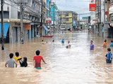 Жертвами наводнения в Таиланде стали как минимум 12 человек