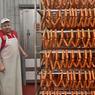 Директора мясокомбината подставили из-за бесплатной колбасы