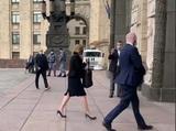 Посол Британии в Москве прибыла в МИД