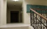 Жители Тулы сообщили о трупе мужчины, повисшем на фасаде жилого дома