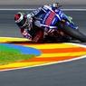 MotoGP: Квалификацию выиграл Лоренцо, а Росси вылетел с трассы
