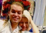 Гоген Солнцев потряс публику совместным снимком с пожилой женой на простынях