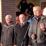 В Нижегородской области на открытии школы депутат подарил чиновникам вазелин