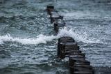 У берегов Норвегии из-за сильных волн перевернулась лодка с российскими туристами
