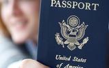 Молодая американка вышла на фото для загранпаспорта похожей на большелобого пришельца