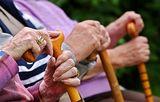 Минтруд пугает безработицей и отсутствием пенсий