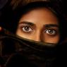 Женщину депортируют из Арабских Эмиратов: читала личные письма мужа