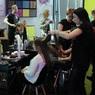 """В Подмосковье решили открыть парикмахерские, чтобы жители не стриглись """"подпольно"""""""