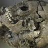 Китайские археологи раскопали десятки человеческих черепов с тремя глазами