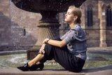 Причиной частой смены настроения у женщин является недостаток серотонина