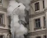 В жилом доме в центре Москвы из-за пожара обрушилась шахта лифта
