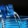 Ученые объяснили, зачем люди покупают воду в бутылках
