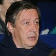 Михаила Ефремова не пустили в самолет в Петербурге