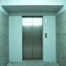 В шахте лифта торгового центра в Москве найден труп