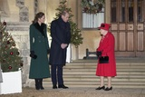 Даже сенсационные откровения Меган и Гарри рейтинг королевы оставили неизменно высоким