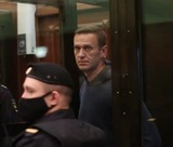 """Симоновский суд решил посадить Навального по делу """"Ив Роше"""" уже после испытательного срока"""