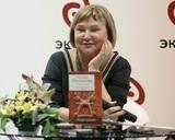 Во Владимире хоронят мастера женского детектива Татьяну Полякову, она умерла в женский день