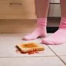 Не всякая еда с пола заразна - утверждают ученые