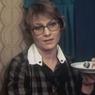Женщина, похожая на актрису Нину Русланову, царапает машины ВИДЕО