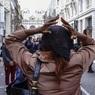 Церемонию памяти обезглавленного учителя в Париже пытались сорвать 30 экстремистов в капюшонах