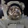 Космонавты забрали полотенце, провисевшее на МКС в открытом космосе 10 лет