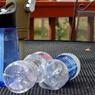 Бутилированная вода опасна для здоровья, заявили учёные