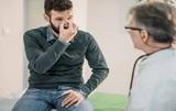 Медики назвали необычный симптом в носу, указывающий на начало болезни Паркинсона