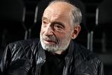 Поклонников Гафта просят не паниковать из-за отмены спектакля с актером