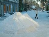 """Бесшабашность зашкаливает: на """"ватрушке"""" под лед ушла взрослая женщина"""