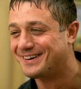 Актер Алексей Макаров покорил поклонников своей мужской красотой