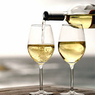 Белое вино и ликеры вредны для женского организма