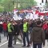 В Белграде протестующие сербы окружили дворец президента