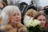 Людмила Поргина рассказала, на какие деньги ездит в Париж и заявила, что знает, как живет народ