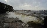 Турецким спасателям удалось спасти трех членов экипажа затонувшего российского сухогруза