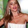 Emmy Awards-2014: актриса не удержала грудь во время танца ВИДЕО